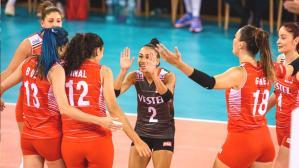 A Milli Kadın Voleybol Takımı, İsveç'i 3-0 mağlup etti ve Avrupa Şampiyonası'nda 3'te 3 yaptı