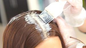 Evde saç boyamak büyük tehlike saçıyor!