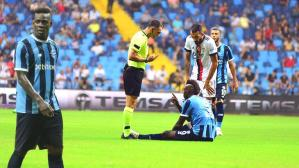 Son dakika haberi: Adana Demirspor – Beşiktaş maçında hakem Mario Balotelli'yi kızdırdı! Olay hareket