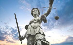 Tartıştığı Doktoru Gözaltına Aldıran Savcı Hakkında 'Kovuşturmaya Yer Yok' Kararı