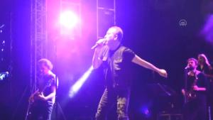 Uluslararası Bursa Festivali'nde sanatçı Haluk Levent konser verdi