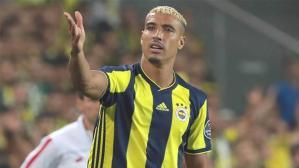 Fenerbahçe, 35 yaşındaki orta saha Nabil Dirar'la yolları resmen ayırdı