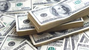 Güne yükselişle başlayan dolar 8,32'den işlem görüyor