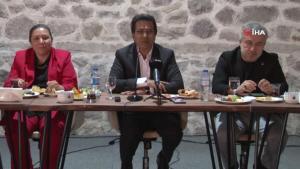 Romanlar, Ankara'da eğitim ve istihdam konularını masaya taşıdı