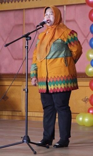 Sambutan dari Ibu Hj.Dahliawati, S.Pd. MM, Kepala Penilik Diknas Kecamatan Bekasi Timur