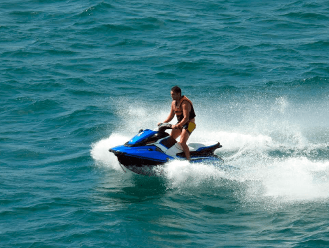 Water sports in Patong