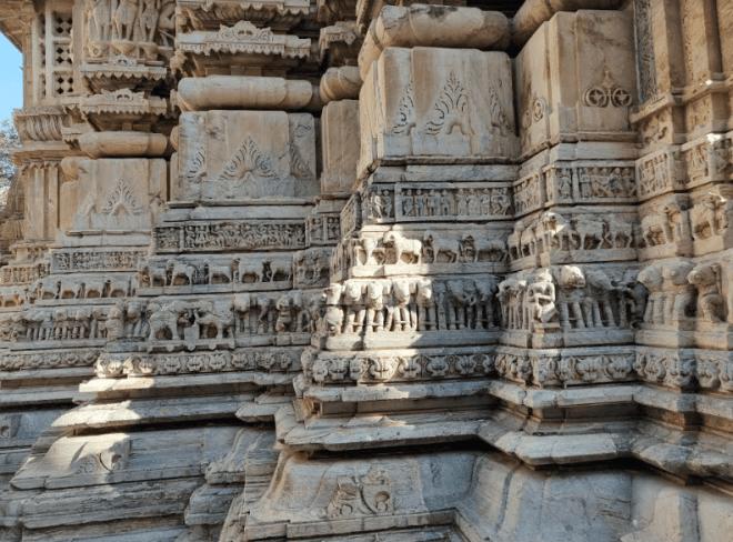 Carvings in Jagadish temple