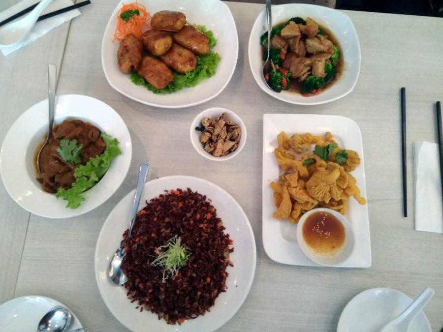 Lunch at Whole Earth Singapore's first Peranakan-Thai vegetarian restaurant