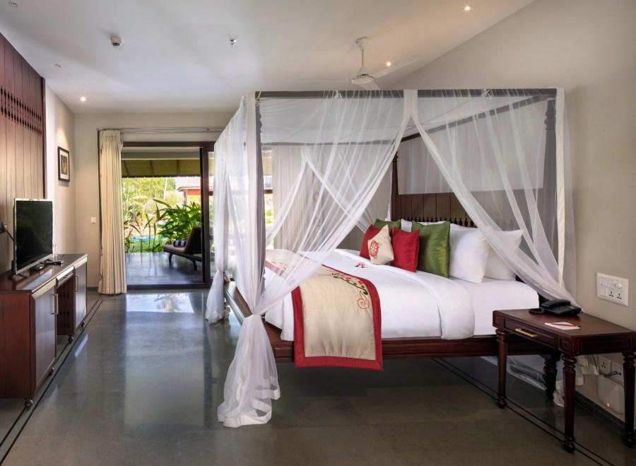 Luxury Private Pool Villa - Niraamaya Retreats, Backwaters and Beyond, Kumarakom