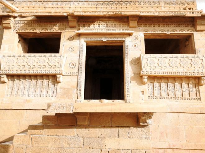 Intricate lattice work in Kuldhara