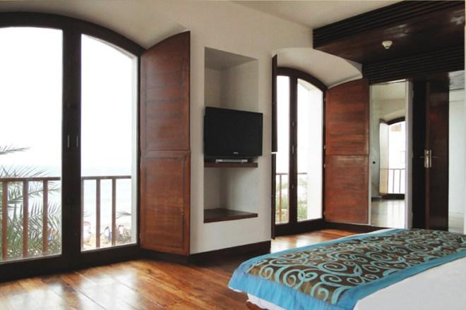 Sea-facing room