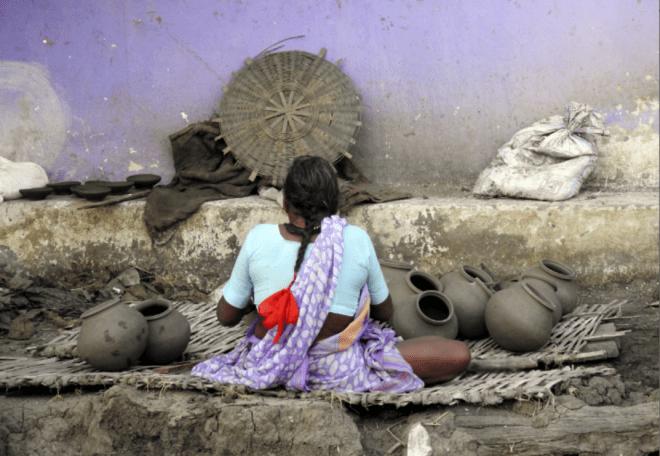 A women potter in Pachdhar