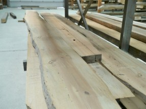 Reclaimed Antique Heart Pine displays a variation in color and grain pattern.
