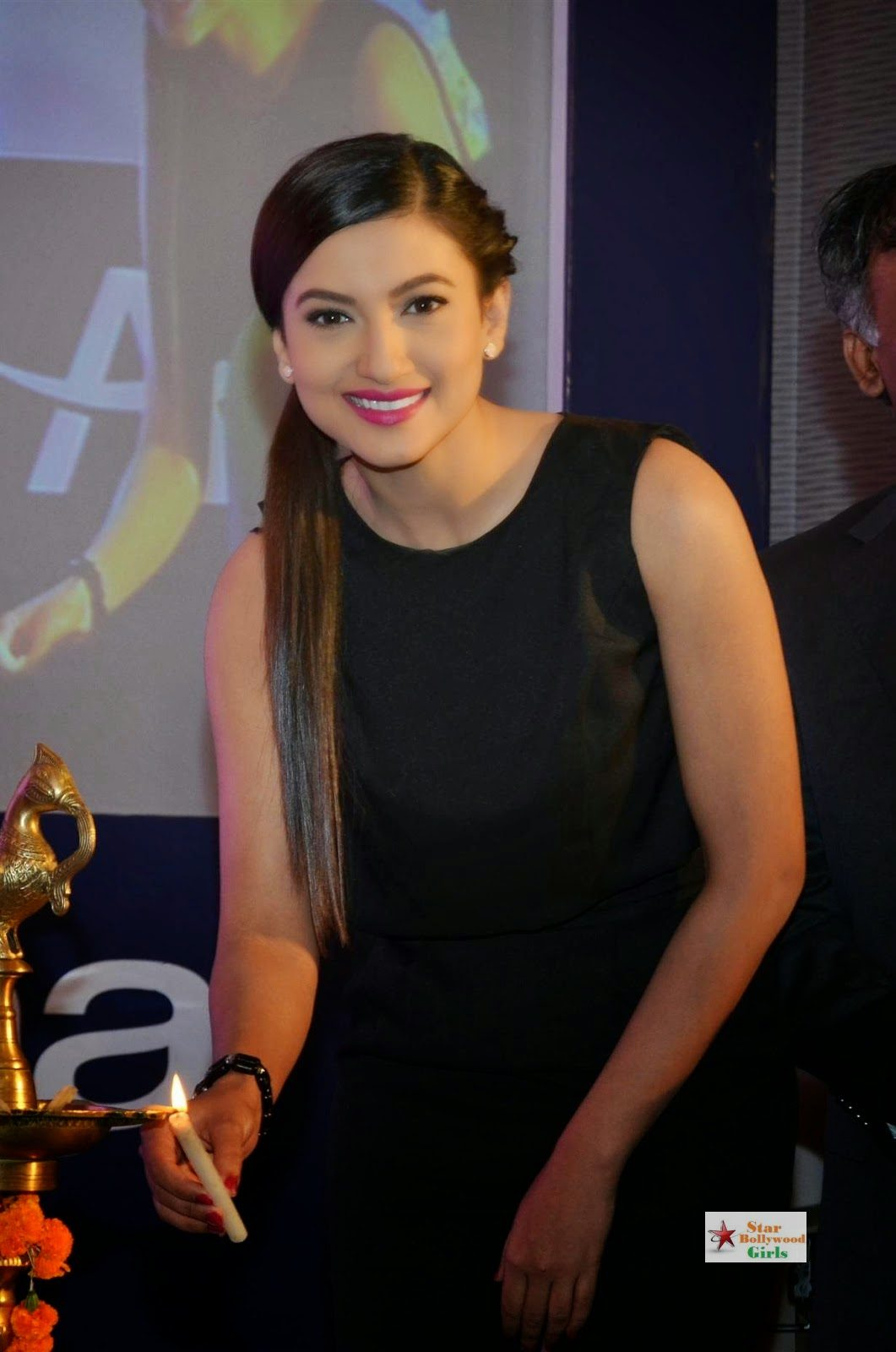 Gauhar Khan Looks Super Sexy In Black Dress At Alma Laser Skin Clinic Launch Event4