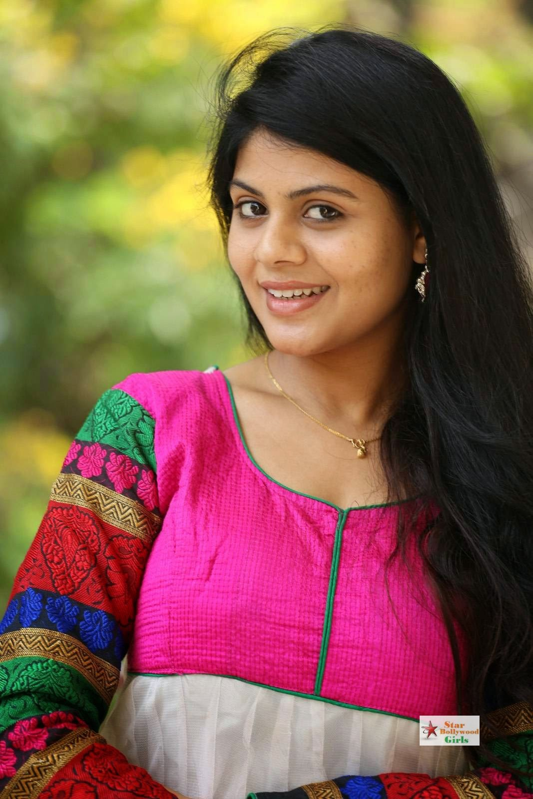 Nairuthi-Photo-Shoot-Stills-9
