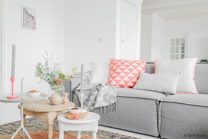 Woonkamer styling met kleur   Binti Home