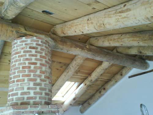Estructura de cubierta de madera.