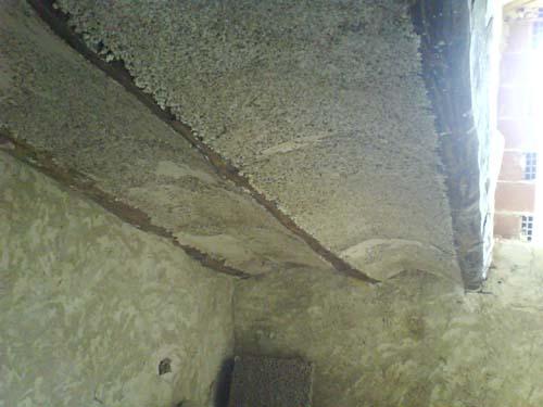 Solucion de yeso-corcho en techo. Base
