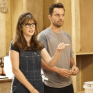 Jake Johnson dan Zooey Deschanel