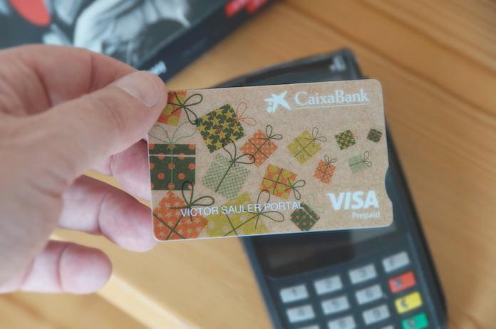 Un banco español lanzó tarjetas de crédito biodegradables hechas con maíz
