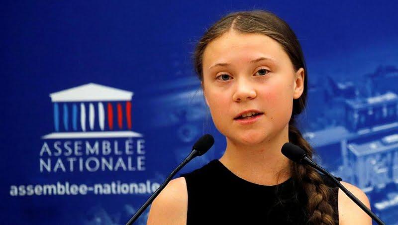 """Greta Thunberg instó a los parlamentarios franceses a """"escuchar a los científicos"""" y actuar para reducir el calentamiento global"""