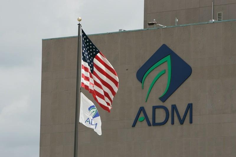 ADM invierte en la mayor planta de harina de insectos del planeta