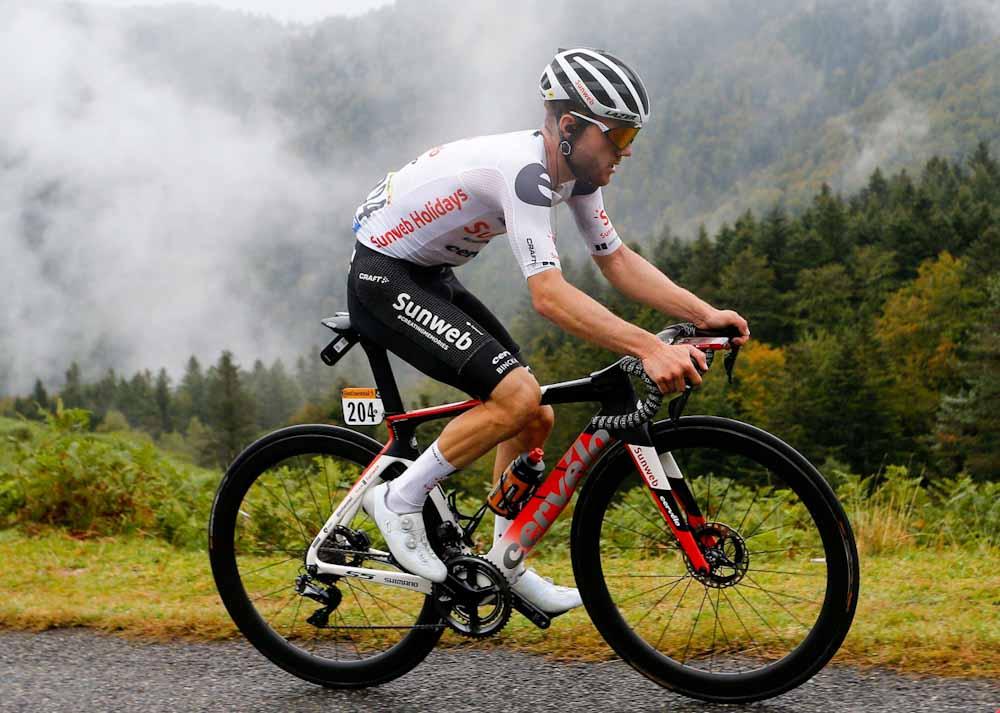 Sostenibilidad a fondo en el Tour de France: un equipo utiliza indumentaria super resistente elaborada con fibras de origen biológico