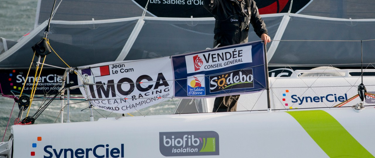 SAILING - ROUND THE WORLD RACE - VENDEE GLOBE 2012/2013 - START - LES SABLES D'OLONNE (FRA) - 10/11/2012 - PHOTO VINCENT CURUTCHET / DPPI - JEAN LE CAM (FRA) / SYNERCIEL -