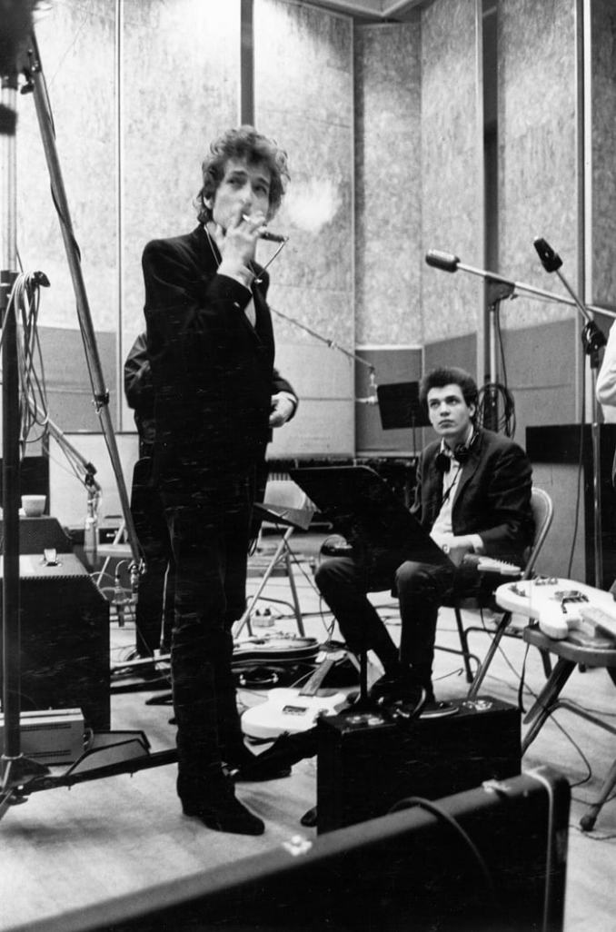 Bob Dylan and guitarist Mike Bloomfield take a break during the recording of the album 'Highway 61 Revisited' in the summer of 1965 in New York City