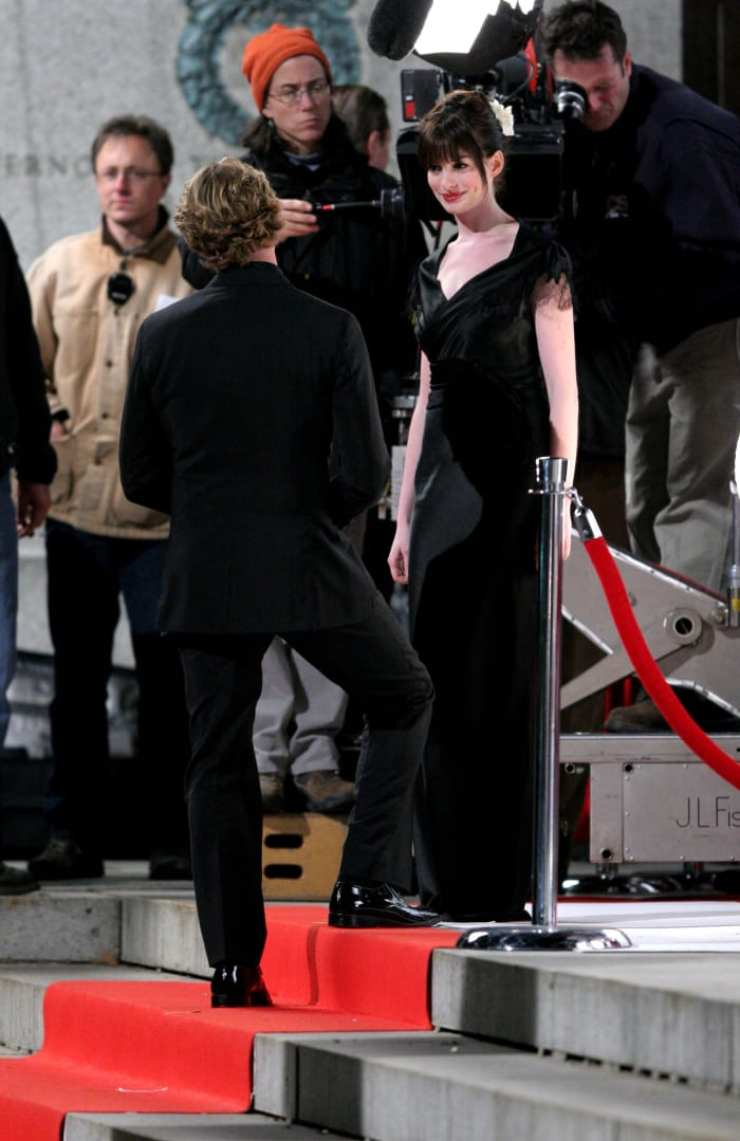 """Anne Hathaway filming """"The Devil Wears Prada"""" at the Museum of Natural History in New York City, October 2005"""