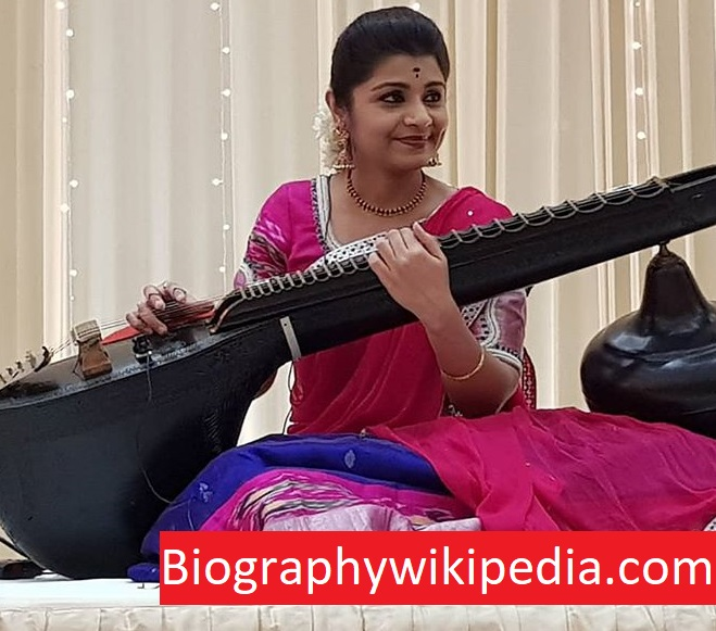 Veena Srivani Wiki, Husband, Age, Family, Biography, Wikipedia