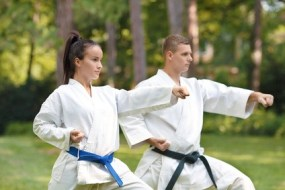 Karate: para una mejor Postura, dolor de Espalda, Cuello y más