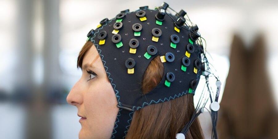 科學家利用「腦機介面」解讀大腦意向  讓全癱漸凍患者不再閉鎖