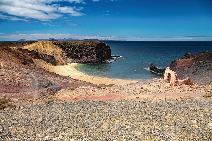 Playa del Pozo e Playa Mujeres (Lanzarote, Isole Canarie, Spagna) – (Dati di scatto: Canon EOS 6D, Canon 24-105 f/4 L IS USM, 1/400 sec, f/8.0, ISO 100, mano libera).