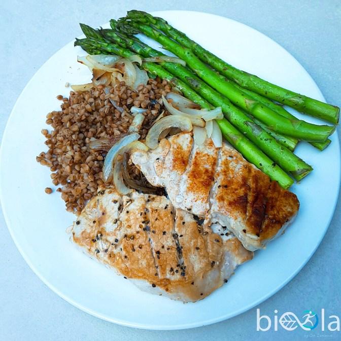 Grilled pork with asparagus and buckwheat | Schab ze szparagami i kasza gryczana