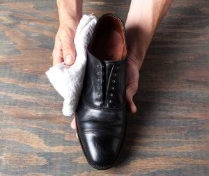 Cara Sederhana Rawat Sepatu Kulit Dengan Semir Sepatu Kulit Alami