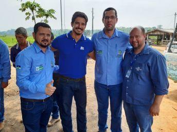 O coordenador técnico de projetos do IBS, Luiz Sartori com representantes da EMATER RO e SEBRAE RO, durante o Dia Especial sobre Pecuária Leiteira.