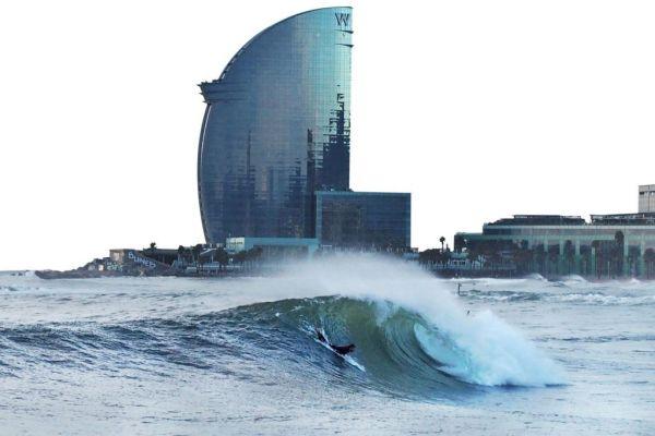 Playas para surfear en Cataluña