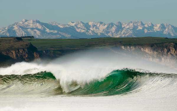 Los Locos - Mejores playas de España para hacer surf