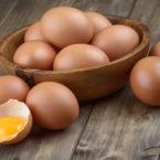 Γιατί στην Αμερική τα αυγά διατηρούνται υπό ψύξη, ενώ στην Ευρώπη όχι (video)