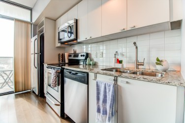 105TheQueensway#805_004