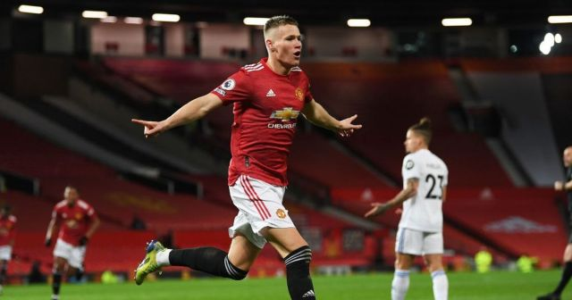 Scott McTominay scored twice in 3 minutes to set Manchester United on their way to a 6-2 win over Leeds United in the English Premier League