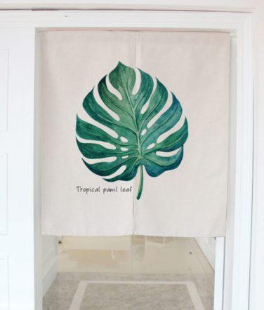 Motif feuille - Déco: ma sélection de rideaux de porte en tissu!