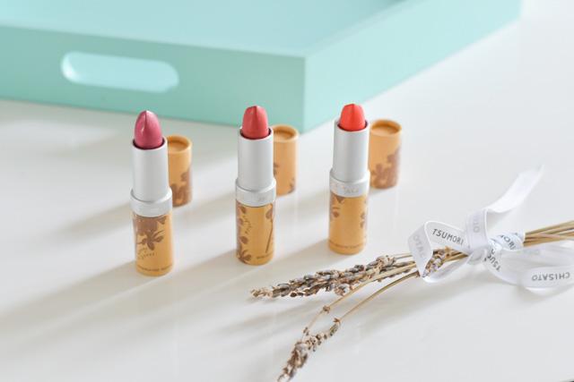 Swatch de rouges à lèvres de Couleur Caramel: Rose gourmand (261), Corail (260) et Lourmarin (276) sur le blog Birds & Bicycles