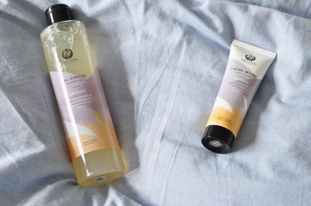 Cosmétiques naturels. Avis sur Terra Ipsum: Gel douche et crème pour les mains naturelle de la gamme Aurania en test sur le blog