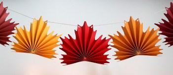 maple-leaf-bunting