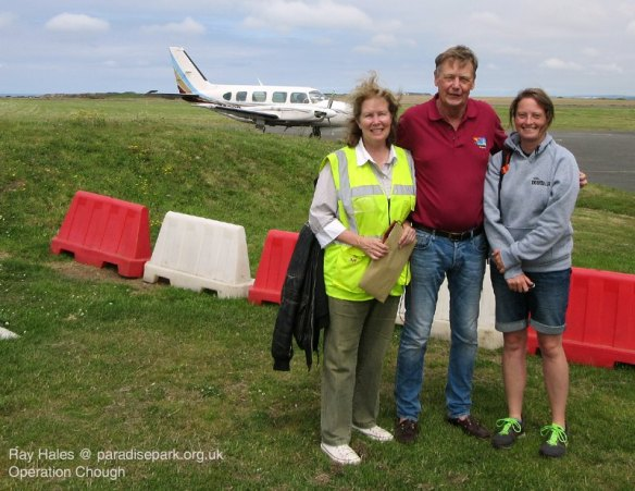 Pilots Lee Durrell and Colin Stephenson alongside Liz Corry at Perranporth airfield. Photo by Ray Hales.