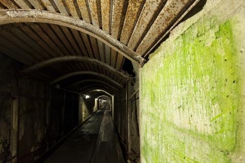 Bild: Im Tunnel zum Dammkar - Westliche Karwendelspitze. NIKON D700 mit CARL ZEISS Distagon T* 3,5/18 ZF.2 ¦¦ ISO1250 ¦ f/5.6 ¦ 1/8 s ¦ FX 18 mm.