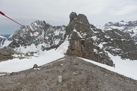 Bild: Am Dammkar an der Westlichen Karwendelspitze. NIKON D700 mit CARL ZEISS Distagon T* 3,5/18 ZF.2 ¦¦ ISO200 ¦ f/11 ¦ 1/640 s ¦ FX 18 mm.