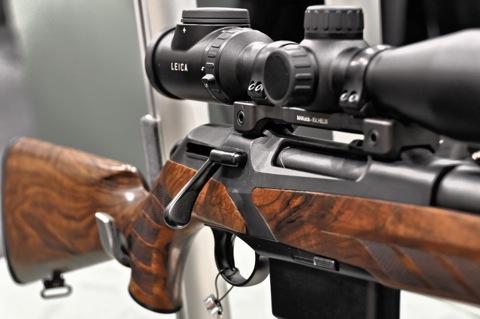 Bild: Diese Jagdwaffe lässt keinen Zweifel an ihrer Präzision - Detailansicht des Geradezugrepetierers MERKEL RX.HELIX.